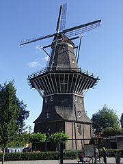 "De Gooyer (""The Goyer"") windmill, also known as ""Funenmolen"" - Amsterodam, Nizozemsko"