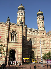 The Dohány Street Synagogue (or Great Synagogue) is the center of Neolog Judaism in Hungary - Budapešť, Maďarsko
