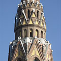 "The spire on the tower of the neo-gothic style St. Ladislaus Parish Church (""Szent László-templom"") - Budapešť, Maďarsko"