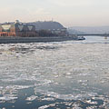 The icy River Danube at Lágymányos neighbourhood - Budapešť, Maďarsko