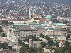 The Buda Castle with the Royal Palace, as seen from the Gellért Hill - Budapest, Hongrie