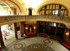 The dome hall in the aula - Budapest, Hongrie