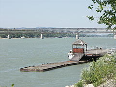 The Újpest Railway Bridge over the Danube River, just before it was remodelled and rebuilt - Budapest, Hongrie