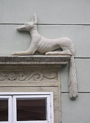 Architectural decoration (possibly a jackal figure) on the baroque Artner Palace - Sopron, Hongrie