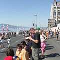 Spectators waiting for the air race on the downtown Danube bank at the Hungarian Parliament Building - Budapest, Unkari