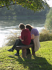 Friends in the autumn sunshine on the Drava bank - Barcs, Madžarska