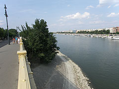 View from the Margaret Island side bridge wing - Budapeszt, Węgry