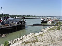 Berths by the Danube River on the south western side of the peninsula - Budapest, Ungarn