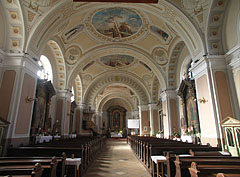 """Interior of the Roman Catholic Parish Church (or Church of the Holy Cross, and sometimes called the """"Old Church"""") - Cegléd (Zieglet), Ungarn"""