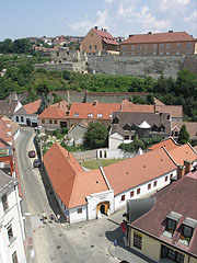 View from the minaret towards the Castle of Eger - Eger (Erlau), Ungarn