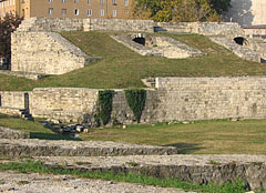 Military amphitheater of Aquincum, the ruins of the ancient Roman theater - Boedapest, Hongarije