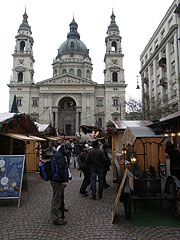 Christmas fair at the St. Stephen's Basilica - Boedapest, Hongarije