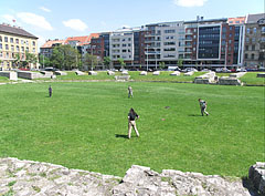 The remains of the Aquincum Military Amphitheater from the Roman times in the middle of Óbuda district - Boedapest, Hongarije