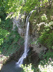 The great waterfall of Lillafüred, where the Szinva Stream falls down 20 meters vertically - Lillafüred, Ungari
