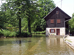 Sobe Belkovi guesthouse (private accommodation) by river - Slunj, Horvaatia