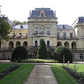 The 50-room neo-baroque style Andrássy Mansion of Tóalmás (former Beretvás Mansion) - Tóalmás, Ungarn