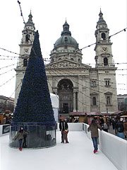 A smaller ice rink and the Christmas tree of the St. Stephen's Basilica - Budapest, Hungary