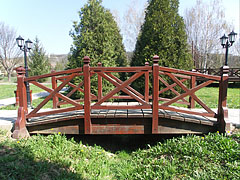 Small wooden footbridge in the park - Csővár, Hungary