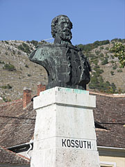 Half-length portrait sculpture of Lajos Kossuth 19th-century Hungarian politicianin the main square - Nagyharsány, Hungary