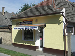 """Duna"" bicycle specialist shop - Paks, Hungary"